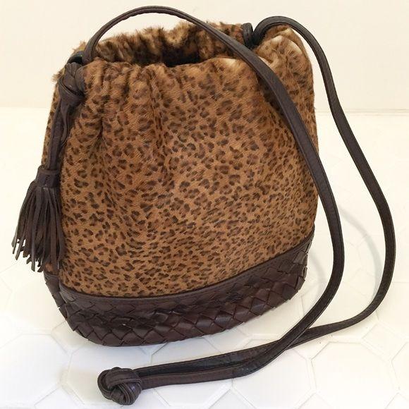 Authentic Bottega Veneta Leopard Woven Cross Body 100% Authentic Bottega  Veneta Leopard Pony Hair skin 30f9e65c8e190