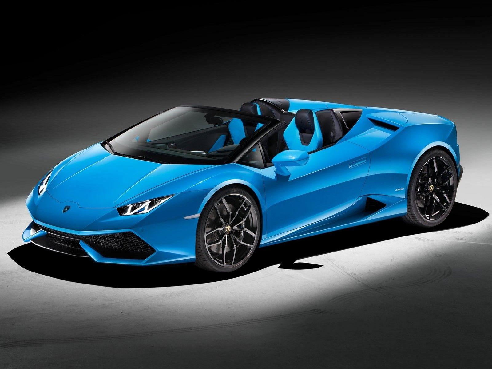 2017 Lamborghini Huracan Spyder - 01: Le design de la Lamborghini Huracan Spyder : chaque élément a été repensé dans le but d'éliminer le toit sans compromettre aucunement l'aérodynamique ni la rigidité torsionnelle du véhicule.
