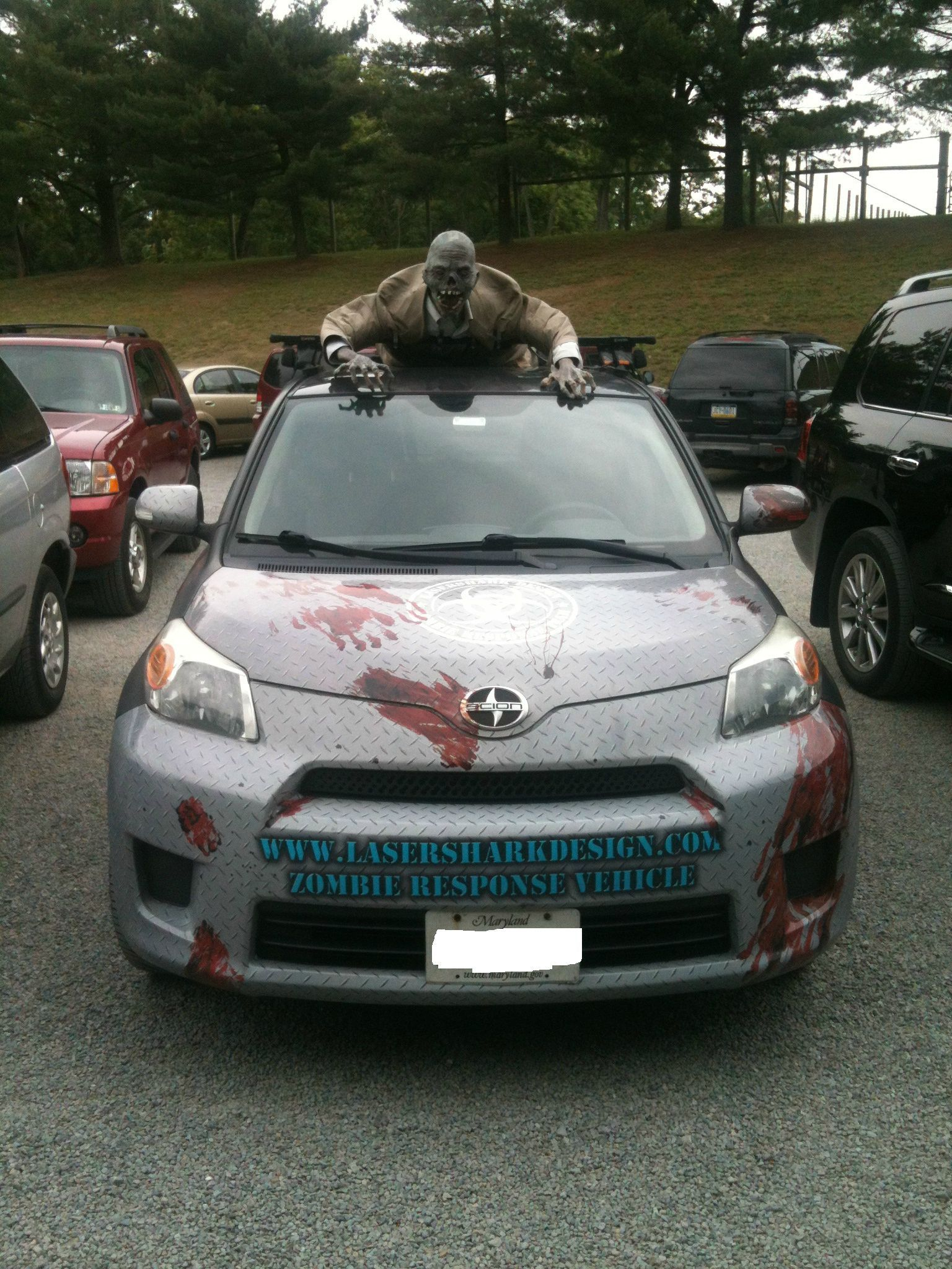 Saw This Car In The Zoo Parking Lot Halloween Car Decorations
