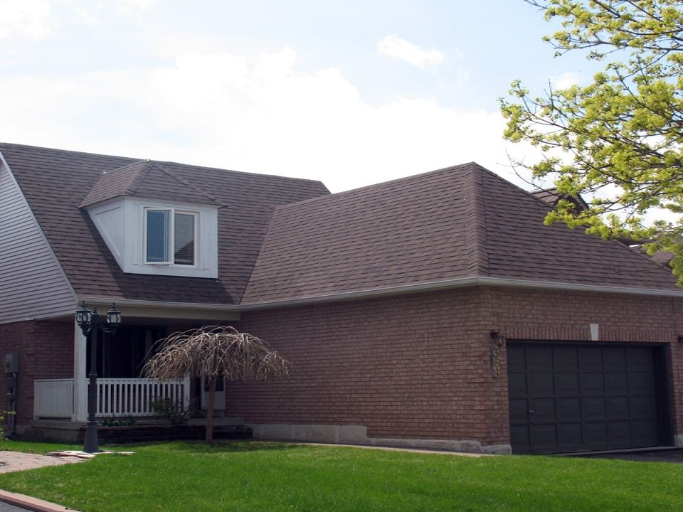 Roof Pro Is A Family Owned And Operated Roofing Business Established In 1978 The Business Still Operates With Th Home Improvement Roofing Roofing Business