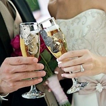 champagne glasses customized with bride and groom's gemstone