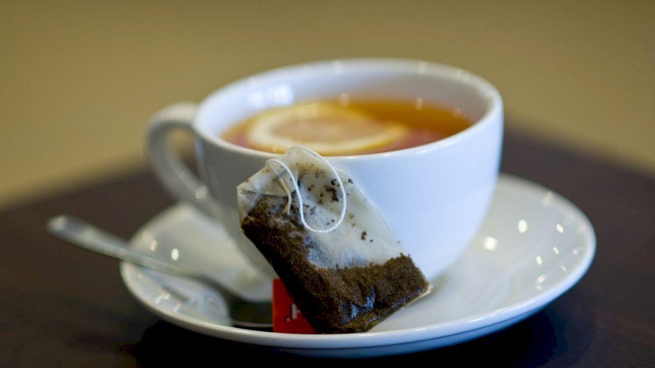 فوائد الشاي مع الليمون Tea Recipes Ginger Tea Recipe Ayurvedic Tea