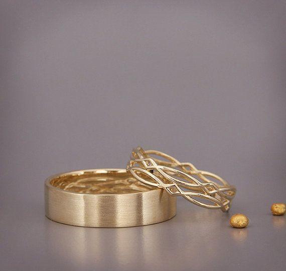 14K Gold Ewigkeit Trauringe Set Handmade massiv von AverieJewelry