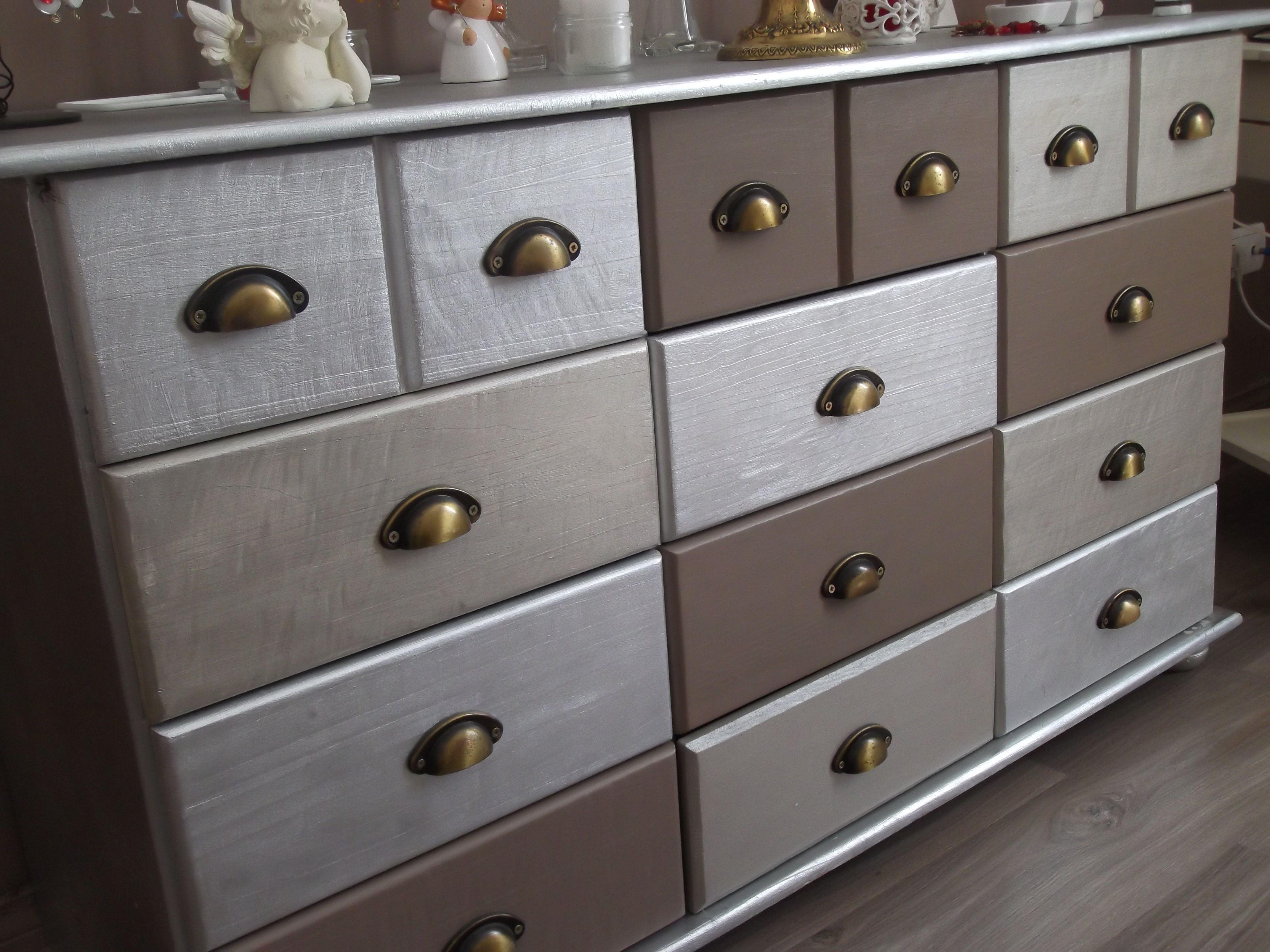 Meuble relook dans les tons gris taupe meuble for Meuble tv xxl style louis philippe en pin