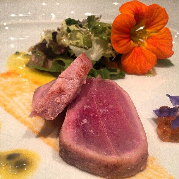 Atum com ovas de salmão e maracujá no Hotel Quinta das Lágrimas, COimbra Via You must go Blog #Portugal