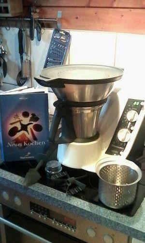 Vorwerk Thermomix TM21 inkl. Varoma-2 Kochbucher ...Ordner mit Rezepte