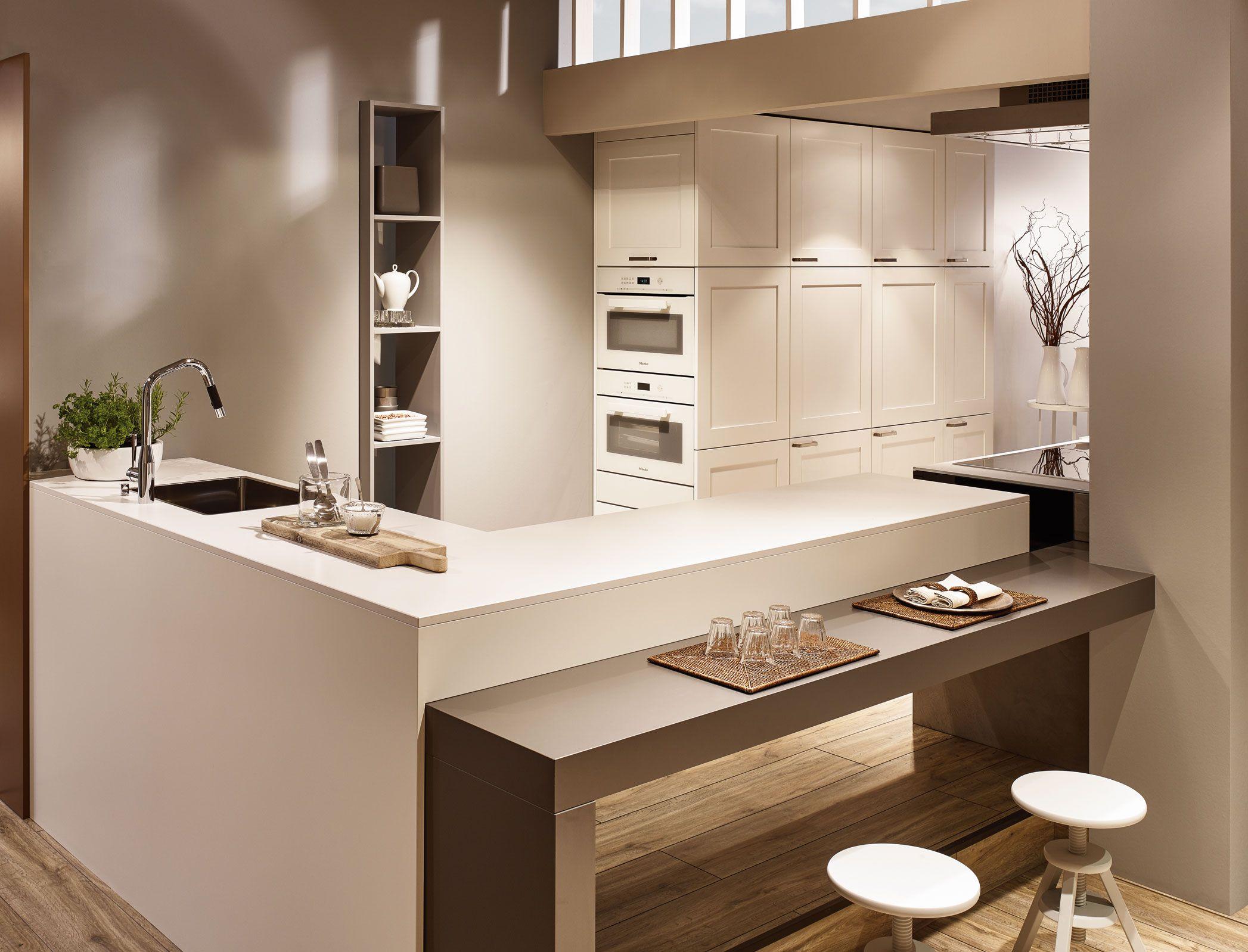 kh k che seidenmatt lackiert verkehrsweiss beton grau kh kitchen silky matt lacquered. Black Bedroom Furniture Sets. Home Design Ideas
