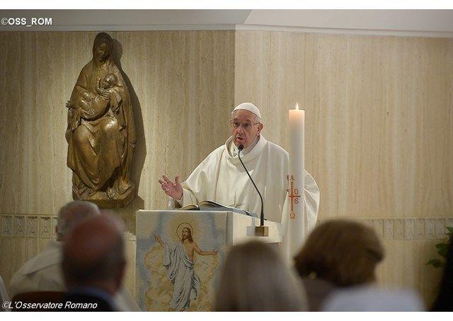 Come lo Spirito Santo opera e guida la Chiesa di fronte alle nuove sfide che ogni giorno appaiono è stato al centro della omelia di Papa Francesco di oggi.