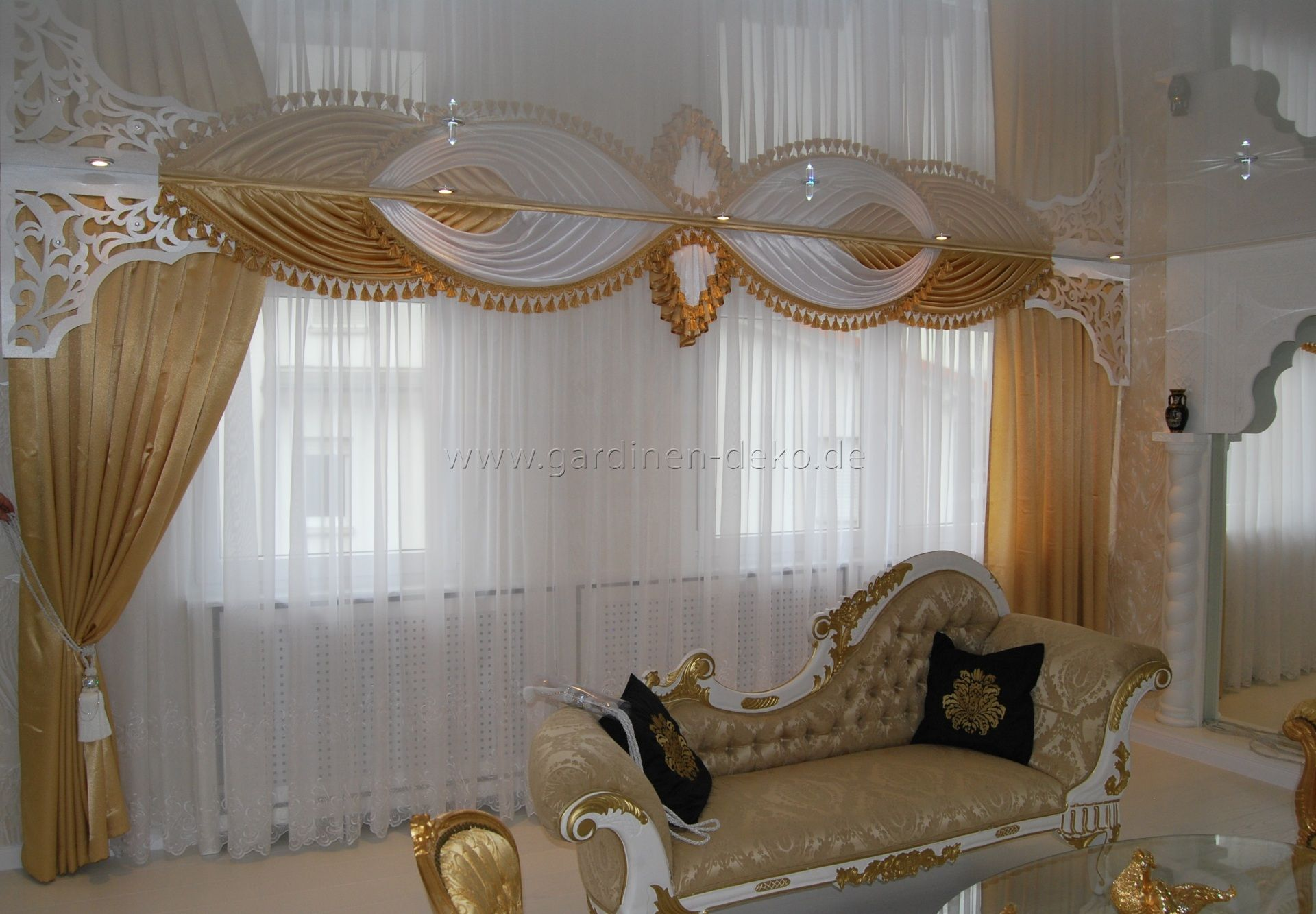 Charmant ... Wohnzimmer Vorhang In Exquisitem Stil Und Edlen Stoffen   Http://www. Gardinen Deko.de/klassischer Wohnzimmer Vorhang Exquisitem Stil Und Edlen  Stoffen/