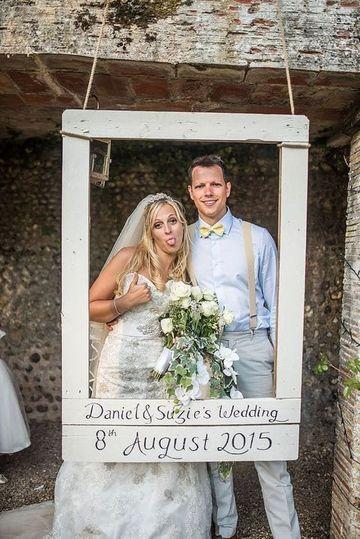 Grandes ideas de marcos gigantes para fotos de boda