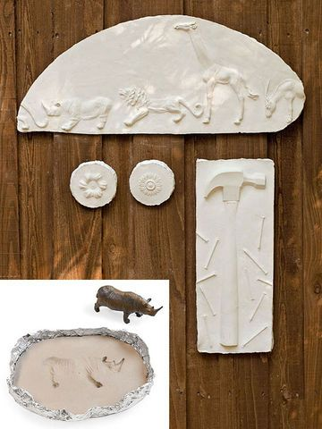 For open-ended, hands-on fun, nothing beats messing with plaster. Kids will love the process of pressing cool doodads into clay, using foil…