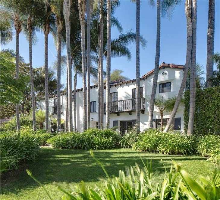 For Sale Home Where Lucille Ball And Desi Arnaz Once Lived Lucille Ball Beverly Hills Houses Celebrity Houses