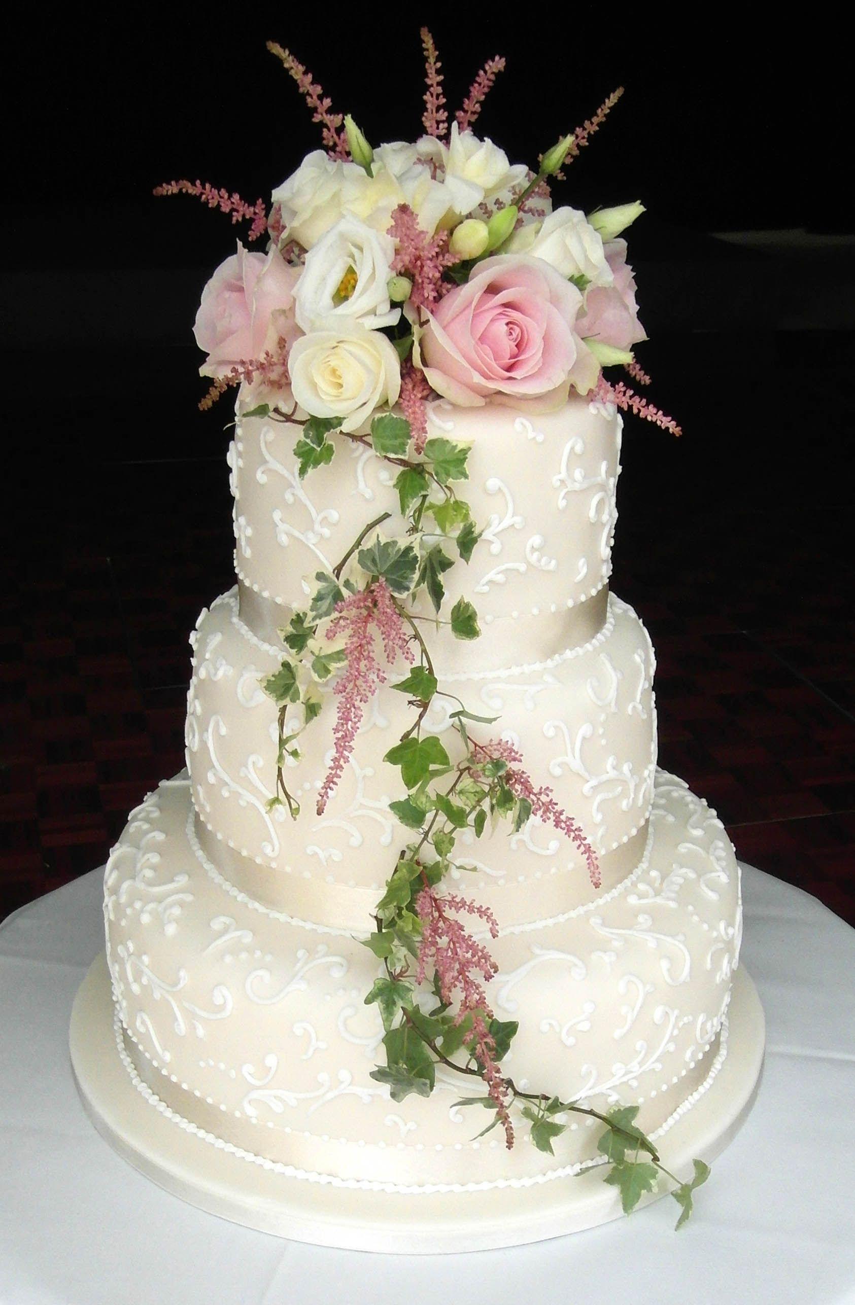 Wedding cake decorating ideas fresh flowers