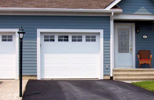 Simple Garage Doors Dallas Style 家