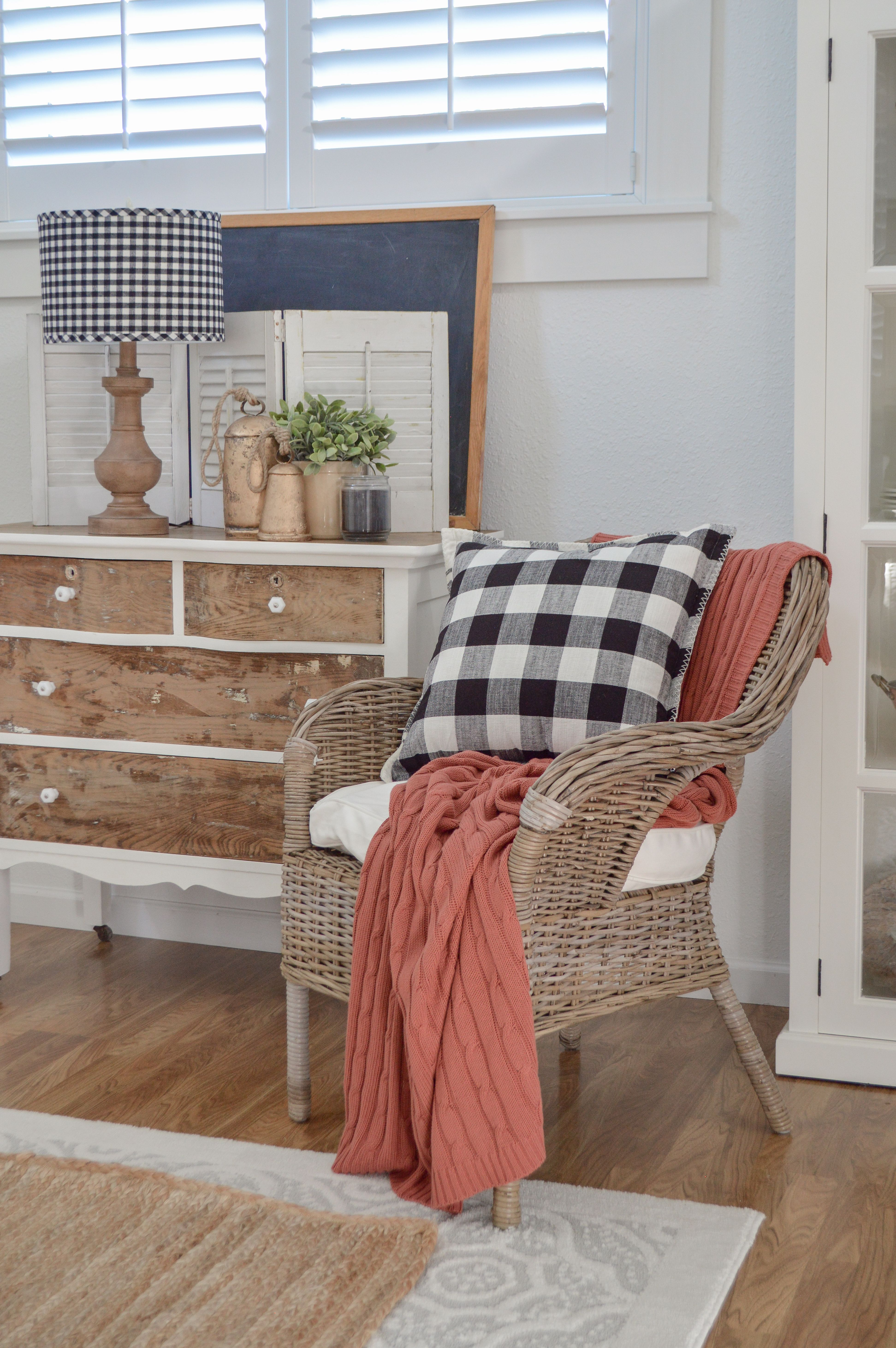 Black, White and Neutral Cozy Fall Home Decorating Ideas ...