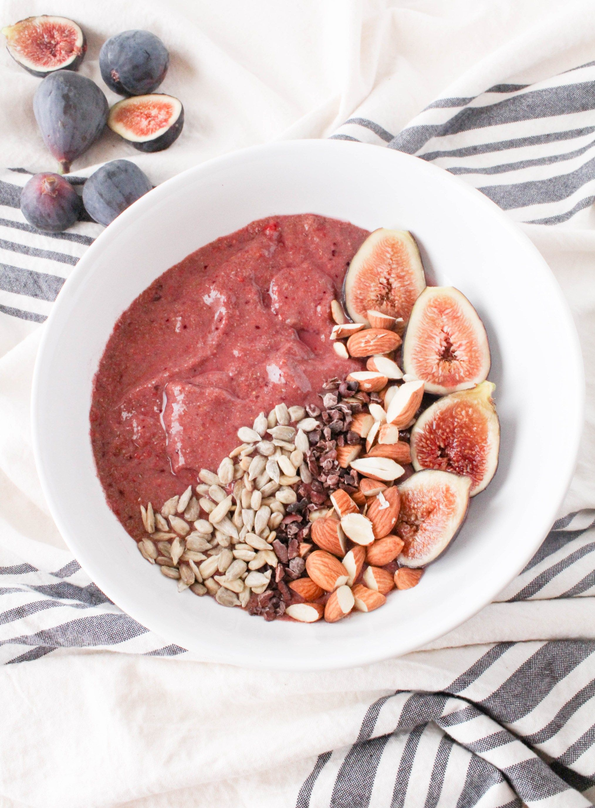 Raspberry Fig Smoothie Bowl Sunday Paper Bonus Recipe The Grateful Grazer Fig Recipes Fig Smoothie Smoothie Recipes