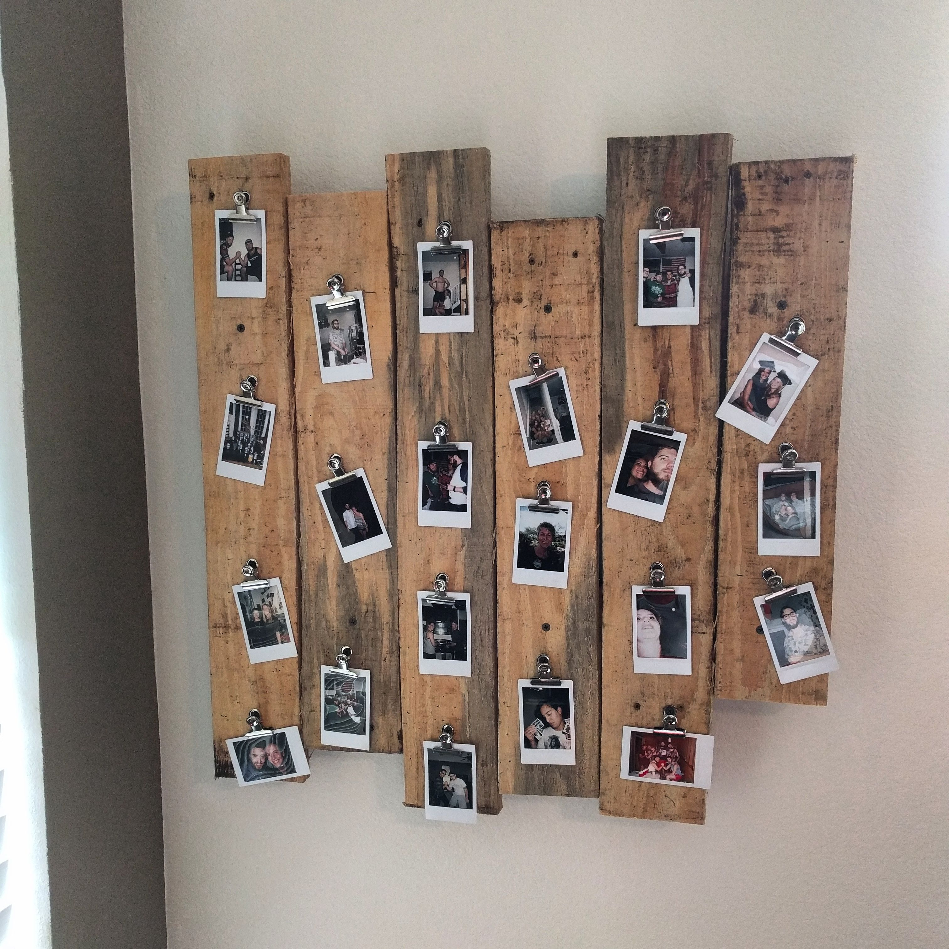pallet wood polaroid picture frame thing diyscoveries pinterest fotowand deko und wohnideen. Black Bedroom Furniture Sets. Home Design Ideas