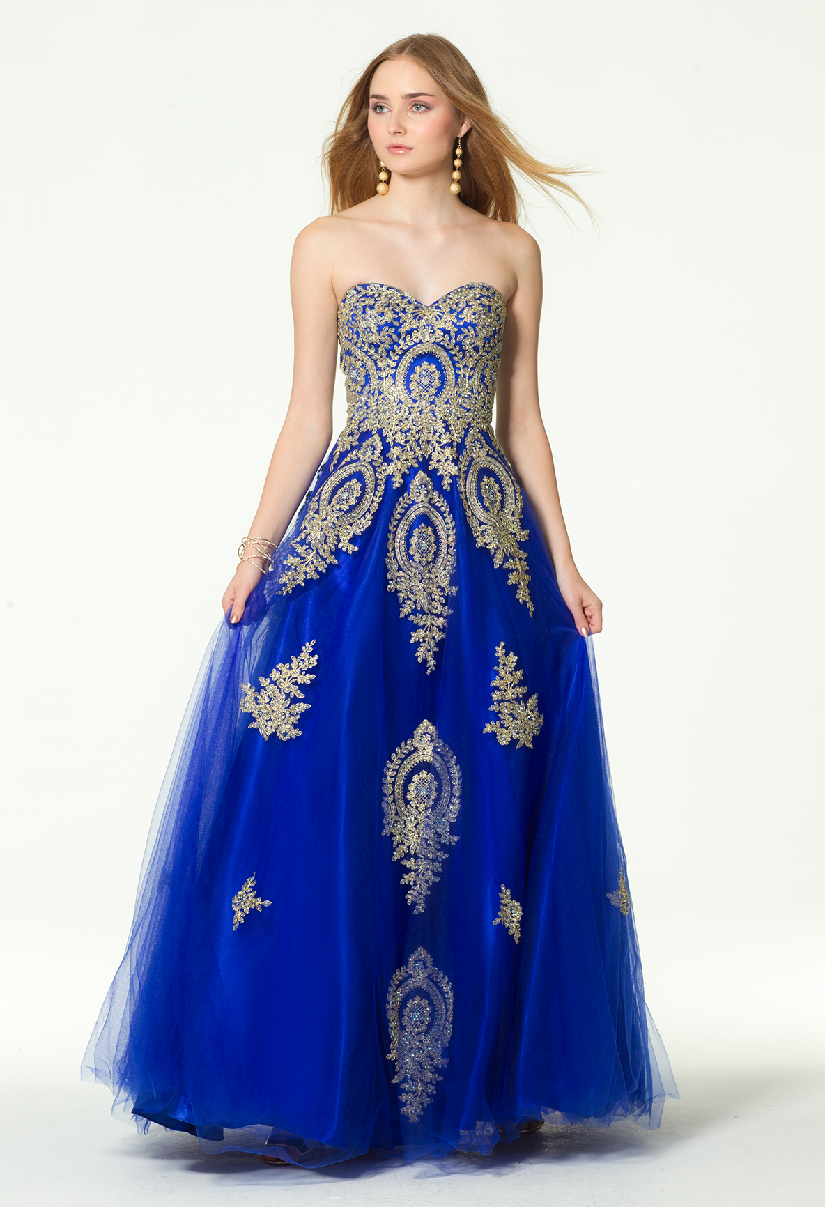 9b1540054ea6 Claim the crown in this A-line prom dress! With its sweetheart neckline,  fitted embroidered bodice, and ball gown skirt, this evening gown is ready  for its ...
