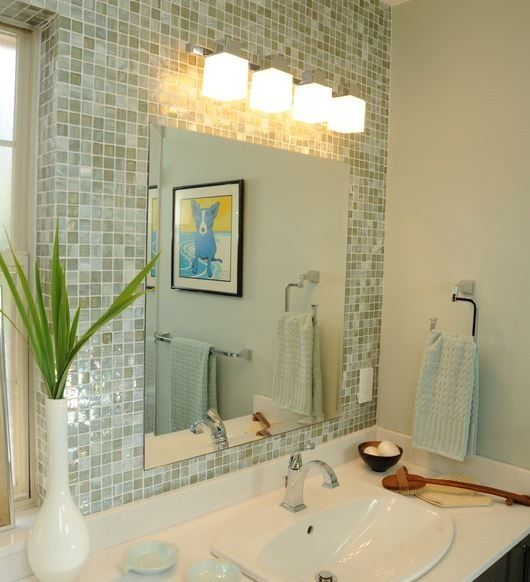 glass tile backsplash | Walls and Ceilings | Pinterest | Glass, Bath ...
