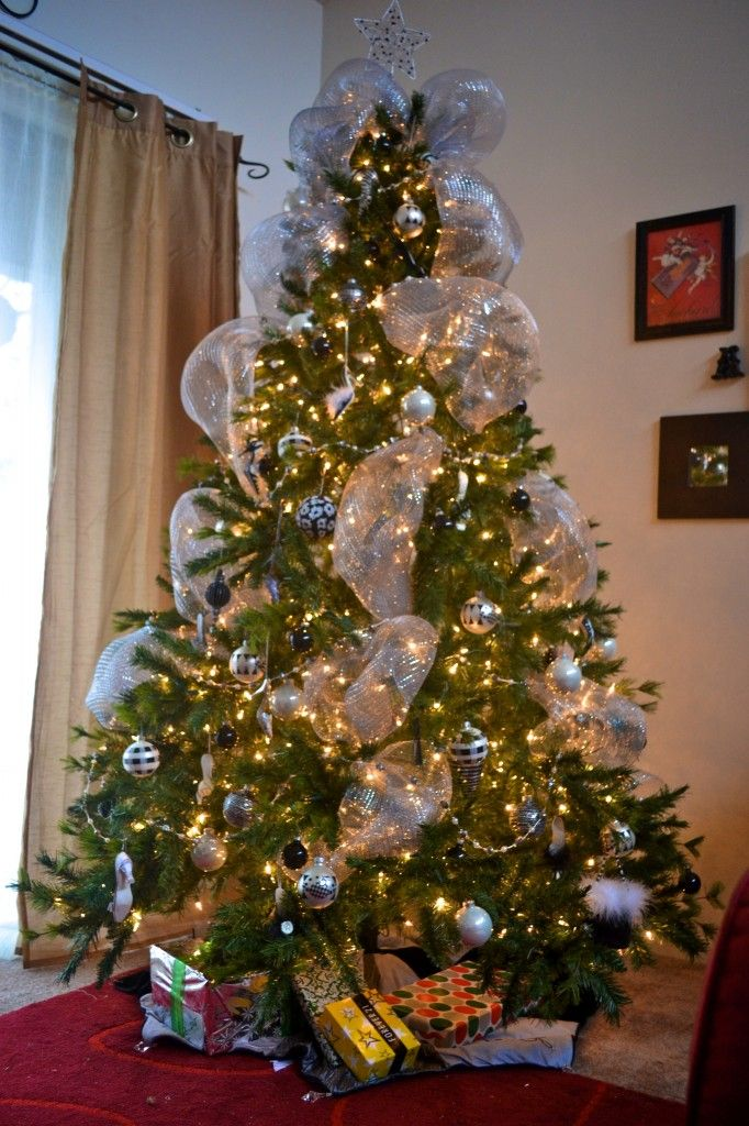Silver Mesh For The Christmas Tree Mesh Christmas Tree Christmas Tree Decorations Christmas Tree Images