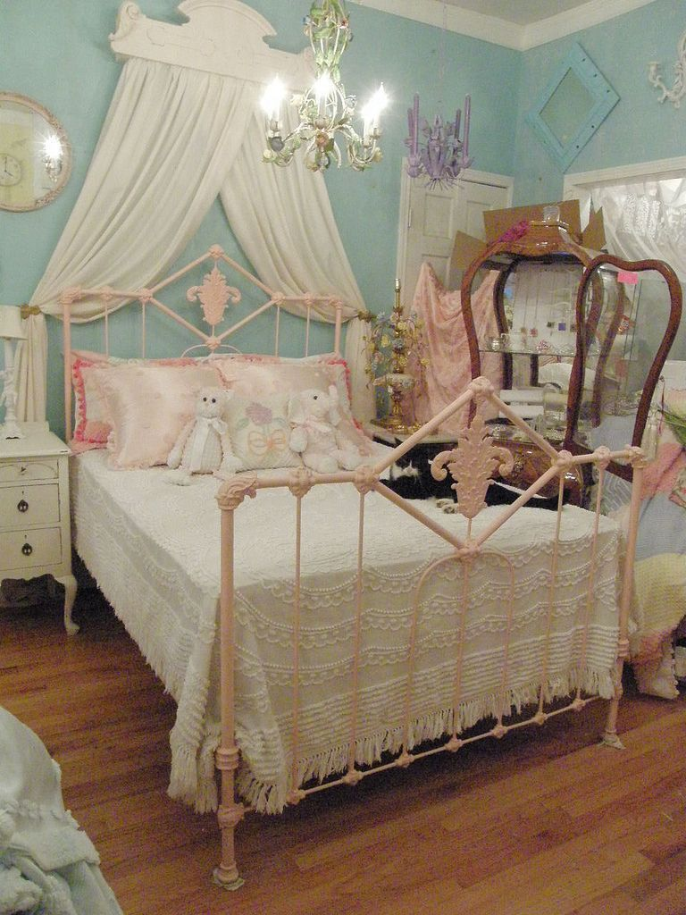 Pink Antique Wrought Iron Bed Shabby Chic Wow The Nices