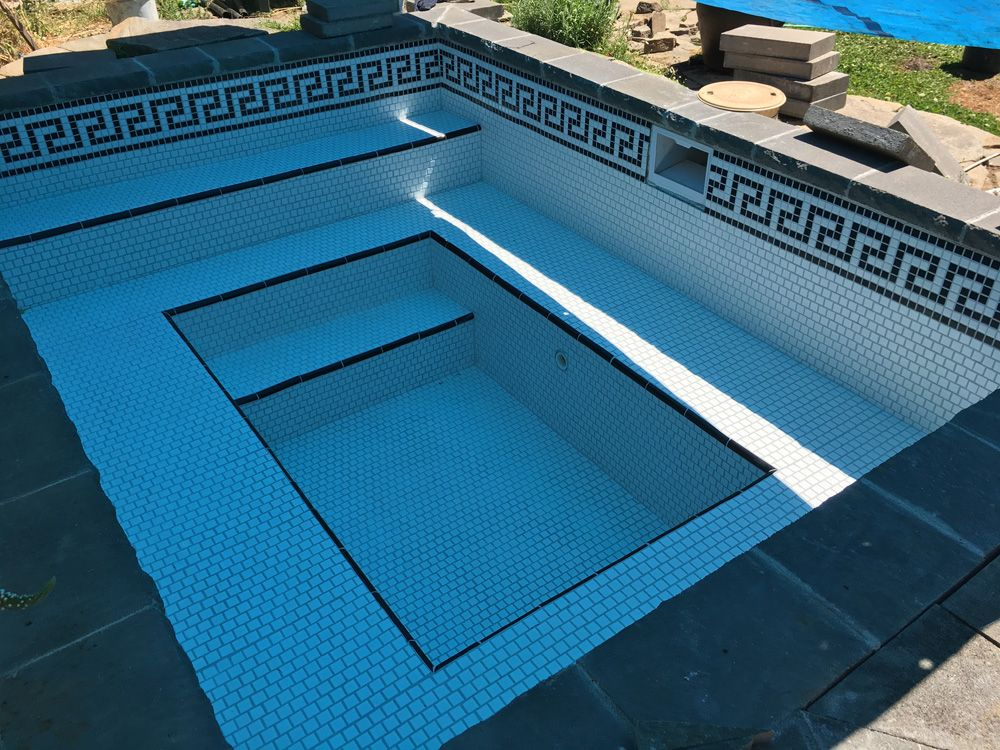 Leading Distributor Of Swimming Pool Tiles In India These Plain Mosaics Are Perfect For Swimming Pools And Ad Mosaic Pool Swimming Pool Mosaics Swimming Pools