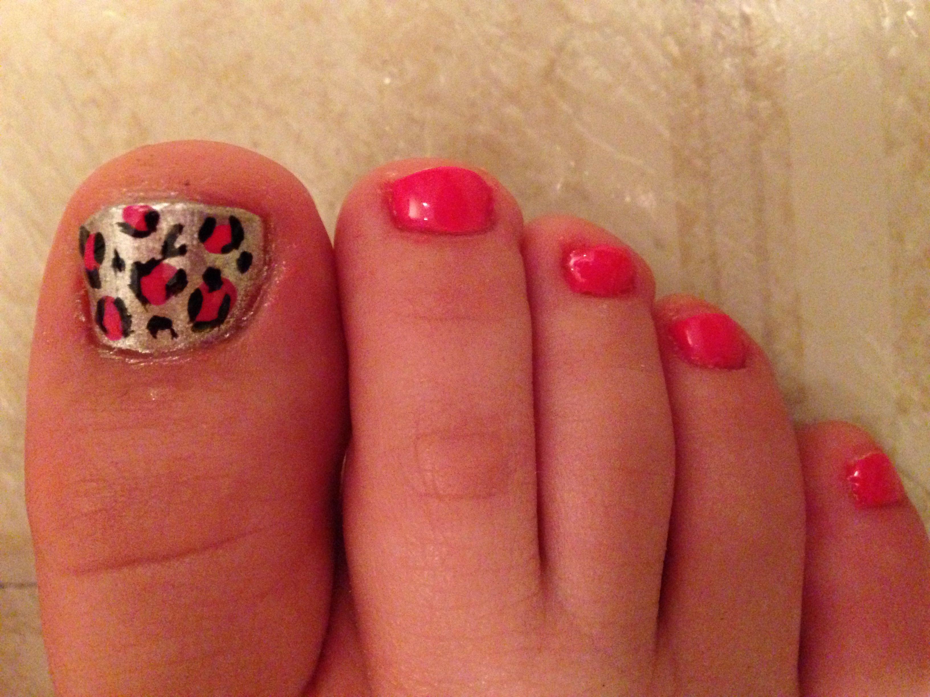 Toe nail art; silver/pink leopard print | awesome toenail ...