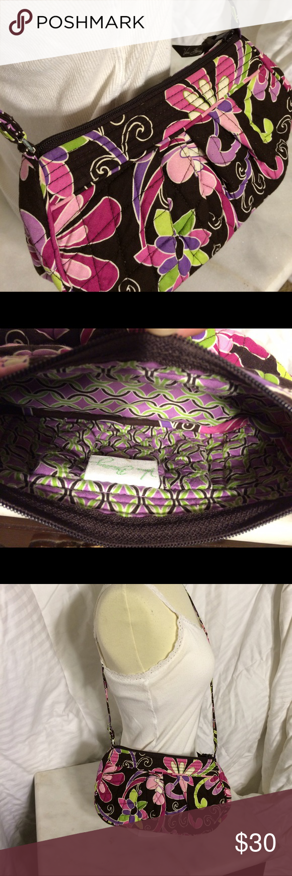 New Vera Bradley Purse Never used, brand new Vera bag! Perfect condition Vera Bradley Bags Crossbody Bags