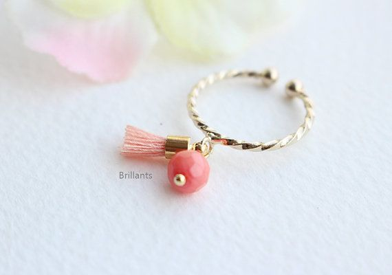 Cute Coral stone and Tassel Ring in gold Stracking by Brillants