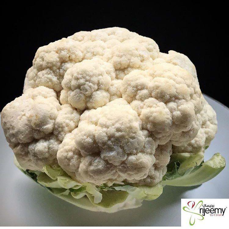 القرنبيط الزهرة من الخضراوات الغنية بالمغذيات النباتية بما في ذلك الجلوكوزولينات مصدر ممتاز لفيتامين سي مصدر جيد لحمض الفولي Cauliflower Vegetables Food