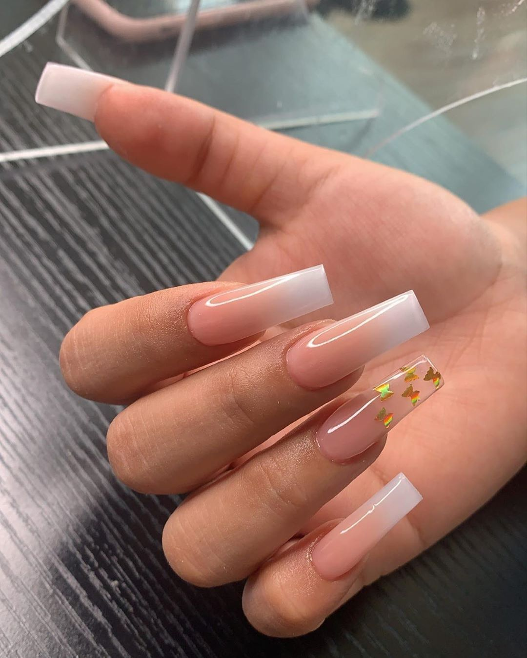 Pin On C L A W S In 2020 Ombre Acrylic Nails Simple Acrylic Nails Pretty Acrylic Nails