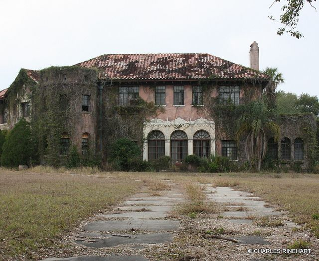Abandoned Howey Mansion in Howey-In-The-Hills Florida