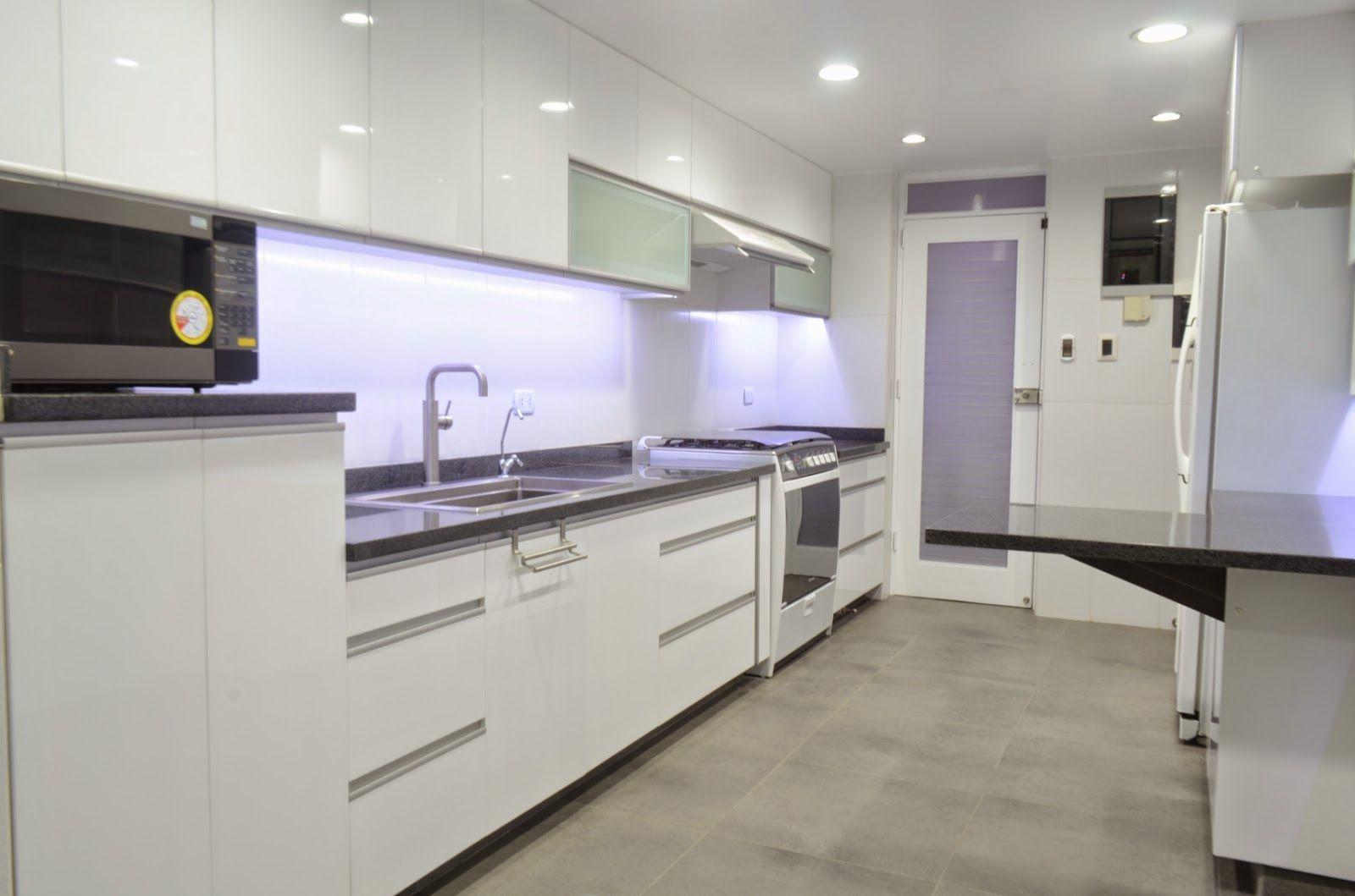 Mueble cocina en melamine y acabado poliuretano con encimera de marmol granito y cuarzo con - Mueble encimera cocina ...