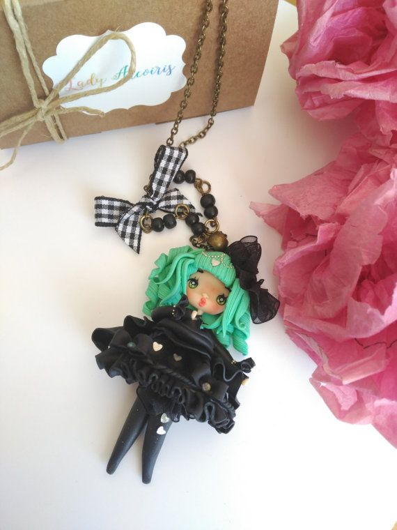 Gothic lolita Colgante o broche por Ladyarcoiristienda en Etsy
