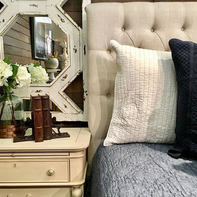 Sweet dreams are made of creamy bedding and fluffy pillows. ••••••••••••••••••••••••••••••••••••••••••••••••••••• #cfhome #gardnervillage#homesweethome#newpossibilities#designlocal#interiordesign#interior_design#interiors#interiordesign#utahstyleanddesign#utahgram#utahliving#inspire_me_home_decor#hgtv #hgtvhome#fixerupper#fixerupperstyle#fixerupperinspired#myhomebeautiful#designlocal#modernpatterns#beddinggoals #bedroominspiration #bedroomgoals #beautifulbedding #bedroomset #kitcheninspiration