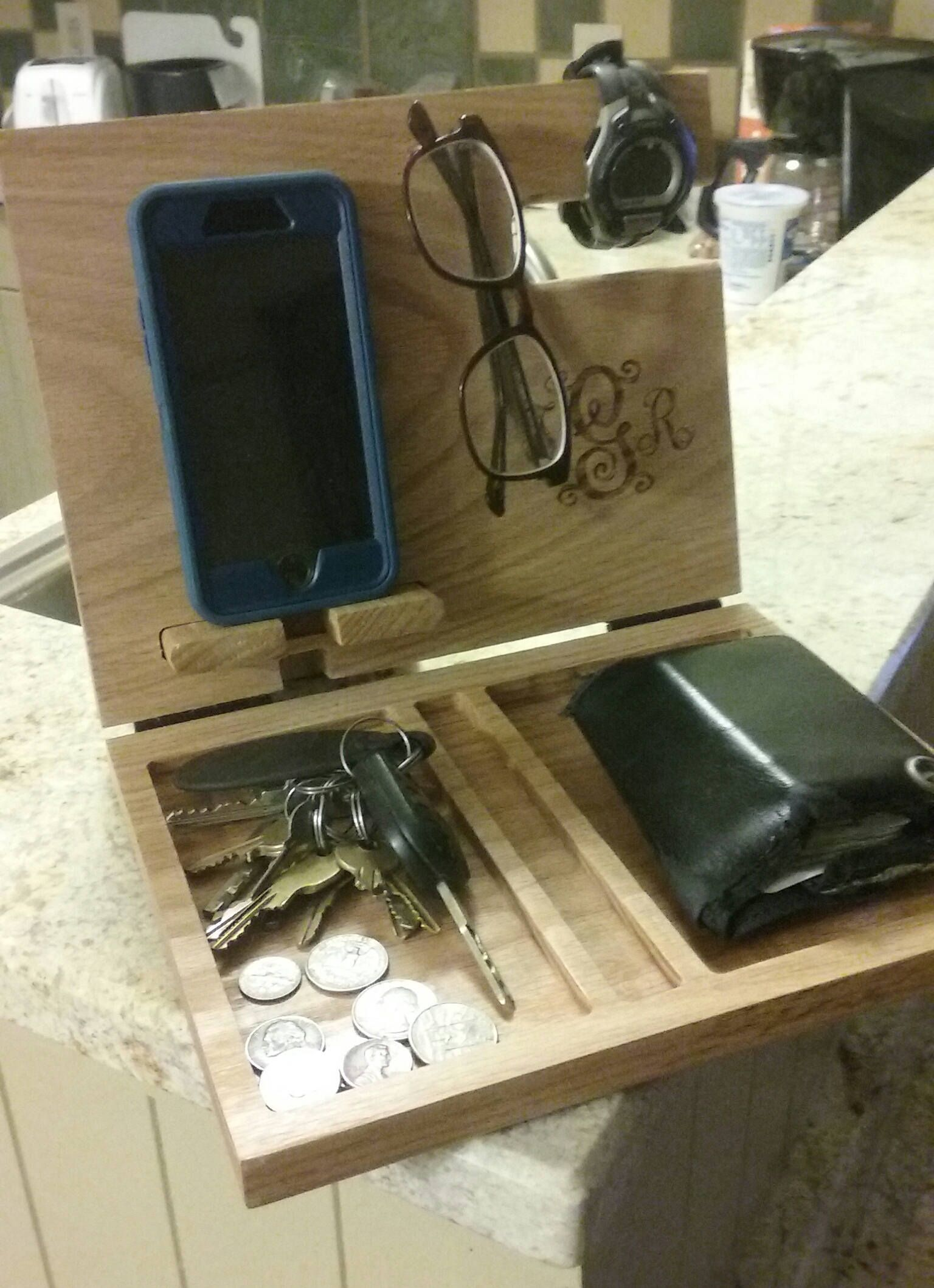 Best Night Stand Valet Solid Oak Charging Station Wooden 400 x 300