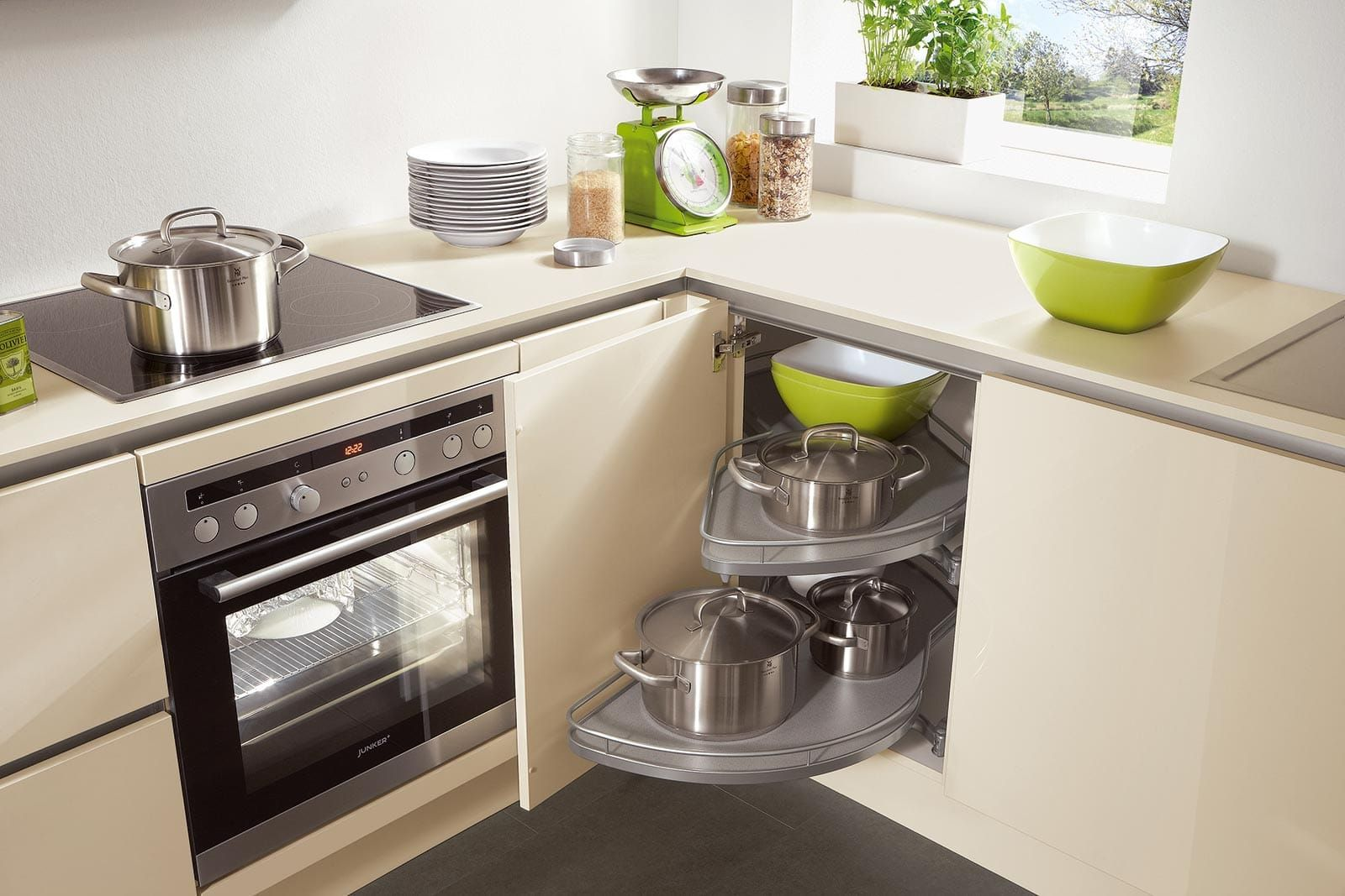 Nobilia Kitchen Collection - Space-saving base unit organisation in ...