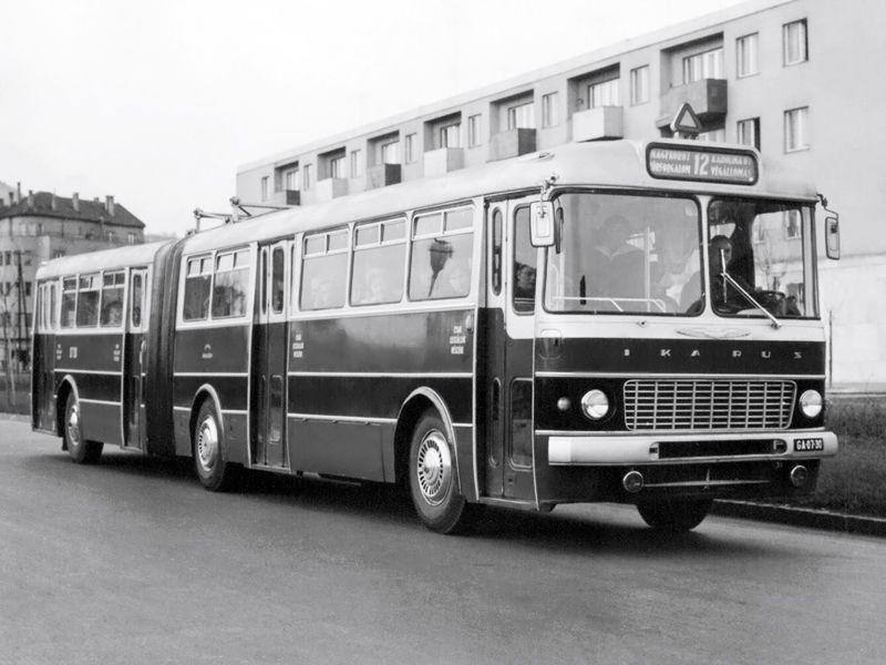 '1963-1975 Ikarus 180
