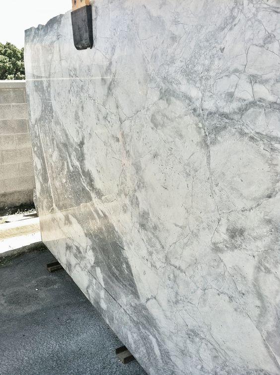 Super White Granite Countertop Ideas For Your Kitchen Replacing Kitchen Countertops Granite Countertops Kitchen Grey Granite Countertops