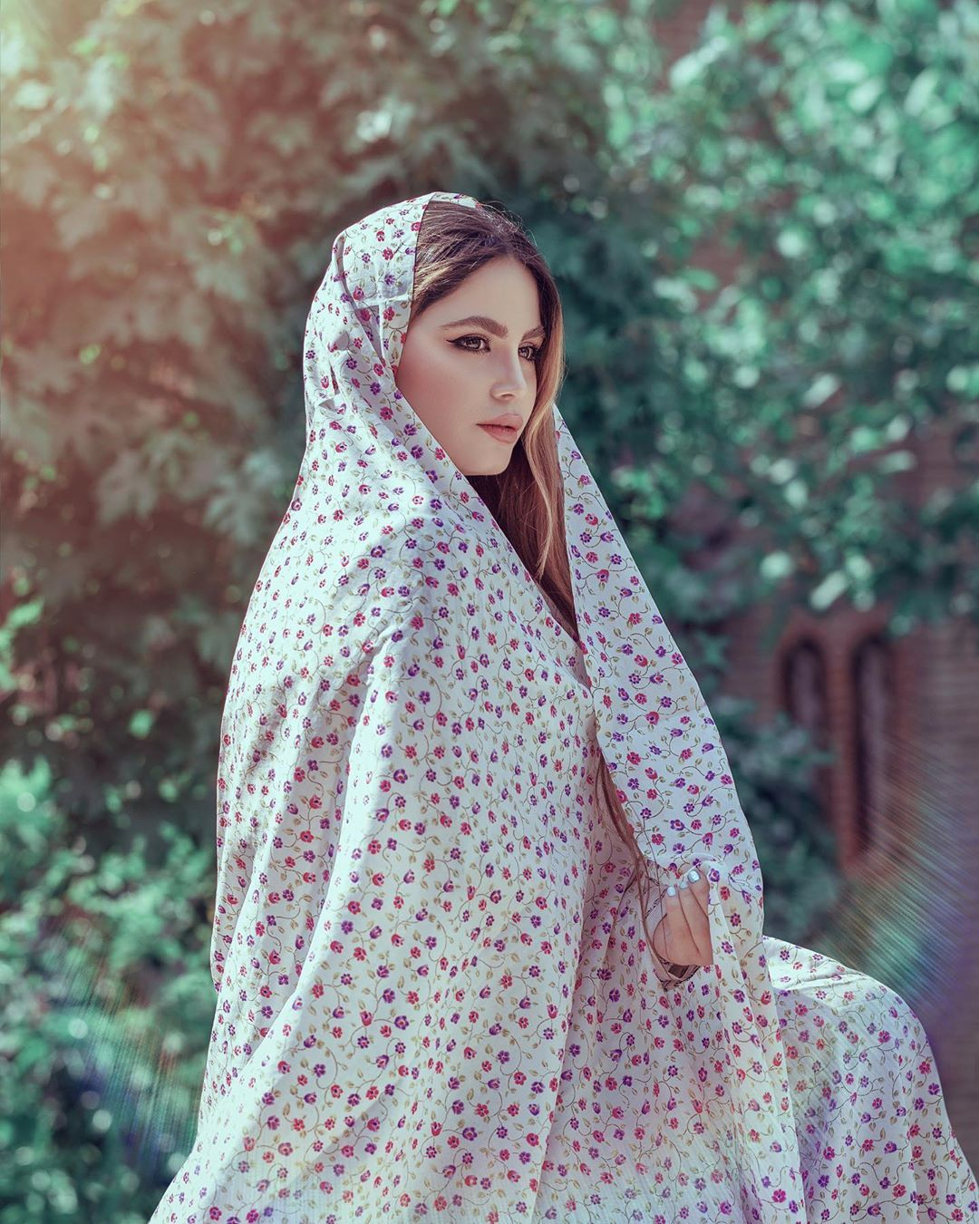 Image May Contain 1 Person Standing And Outdoor Iranian Women Fashion Iranian Girl Persian Girls
