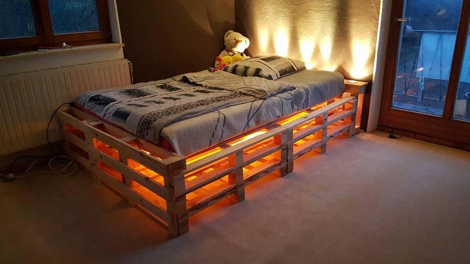 Bett Aus Einwegpaletten Mit Beleuchtung
