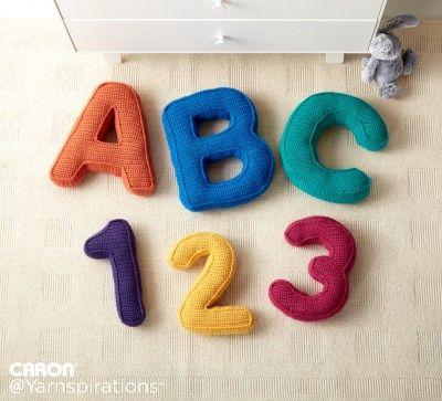 Caron ABC\'s and 123\'s Crochet Pilows - #FreeCrochetPattern | Crochet ...