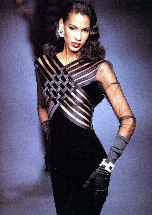 Valentino HC A/W 1992, Model : Sonia Cole