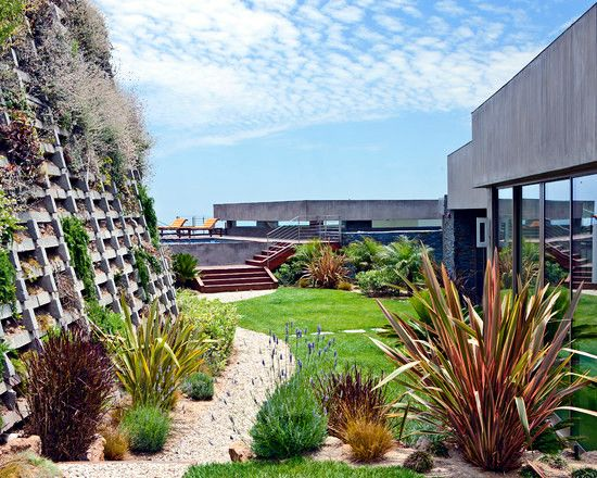 79 Ideas To Build A Retaining Wall In The Garden Slope Protection And Catchy Retaining Wall Design Building A Retaining Wall Contemporary Landscape