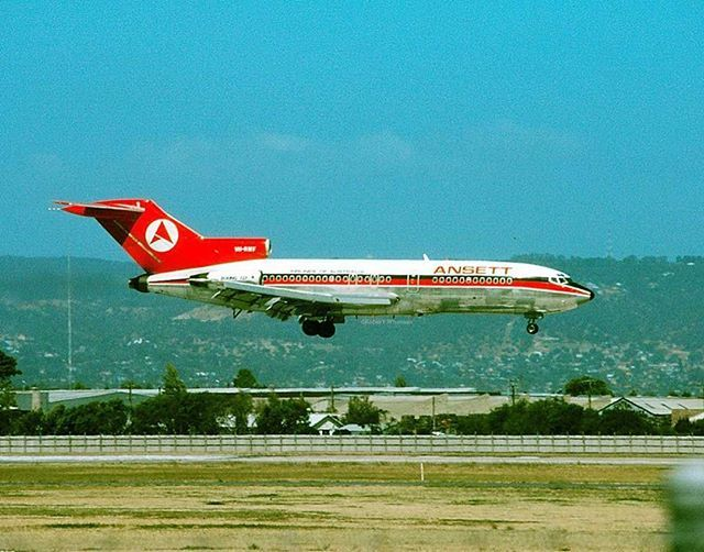 #OTD First flight of Boeing 727 on 9 February 1963. Robert Wiseman #Boeing #727 #airliner #history #aviation #aeroausmag #avg…   Boeing 727 ...