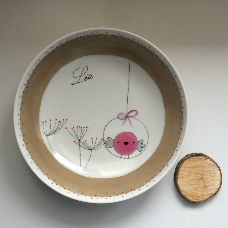 assiette de naissance en porcelaine personnalis e et d cor e la main peinture sur. Black Bedroom Furniture Sets. Home Design Ideas