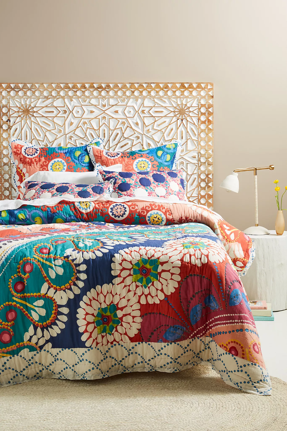 Tahla Quilt Anthropologie In 2020 Unique Beds Top Beds Bed Furniture