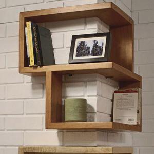 Libreria angolare in legno massello idee arredamenti for Scaffali libreria in legno