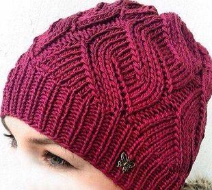 Вязаные шапки для женщин 50 лет фото и схемы головных уборов.