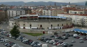 La vieja plaza de toros de Vitoria bilaketarekin bat datozen irudiak